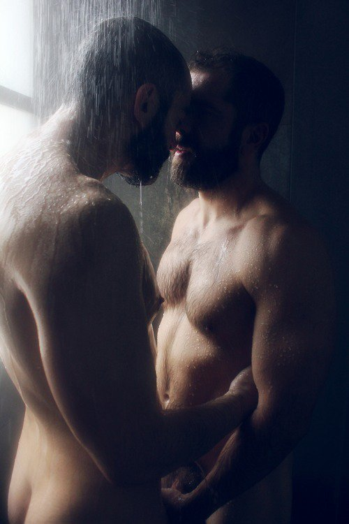 ▌Le solitaire sont deux amants qui ont réussi à ne plus faire qu'un et on décidé de rester comme ça, l'un dans l'autre, seul à jamais, rempli des deux.