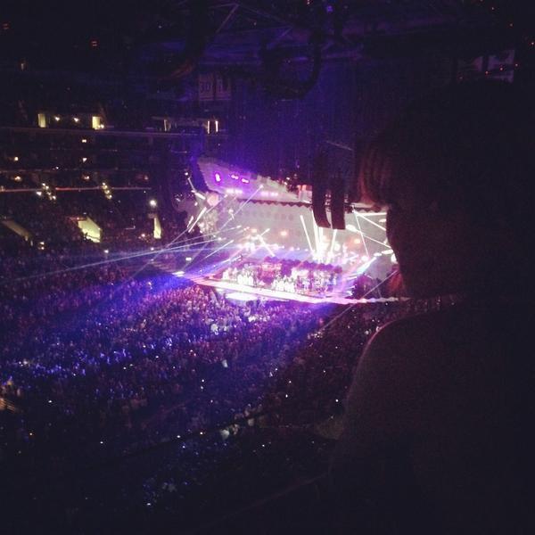 .  12/08/2014  : Lea a été vue avec Matthew arrivant au concert de Justin Timberlake.    J'aime tellement sa tenue ! tout est parfait ! Grande Classe  TOP.      [/font=Arial]    .