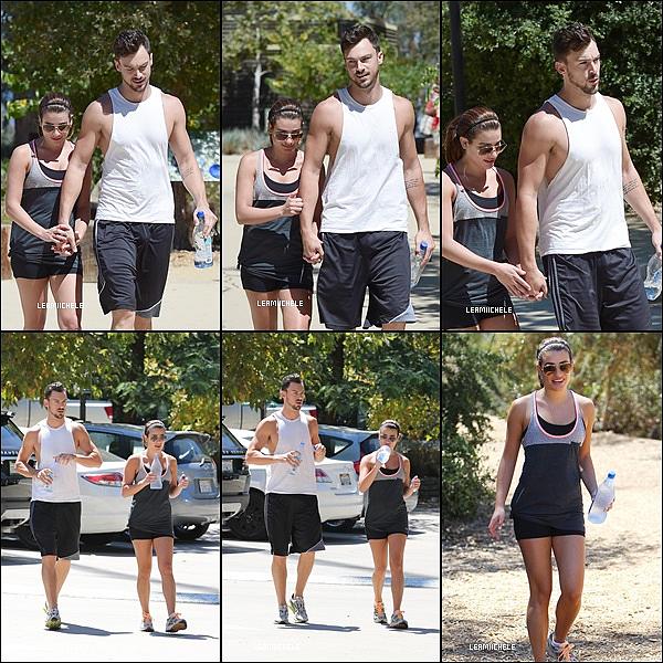 .  23/08/2014  : Lea a été vue en compagnie de Matthew faisant une randonnée.          [/font=Arial]    .