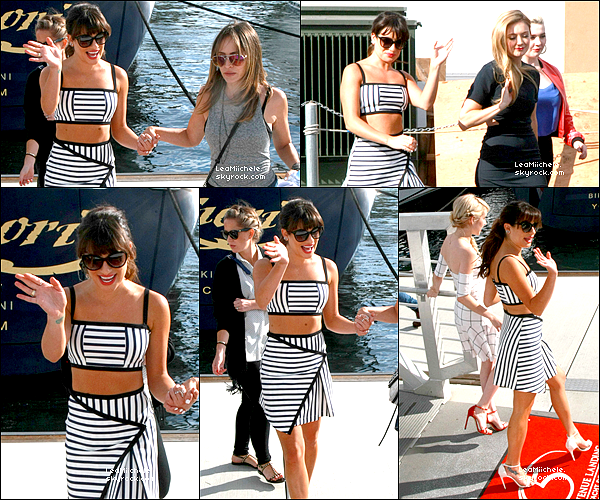 """.  10/07/2015  : Lea est arrivée à San Diego pour le Comic Con.     Lea était présente au """"Fox Fanfare""""! J'aime beaucoup sa robe TOP.      [/font=Arial]    ."""