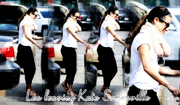 .  26/02/2014  : Lea   a été vue quittant un salon de beauté.    Tenue très simple.   BOF.[/font=Arial]    .