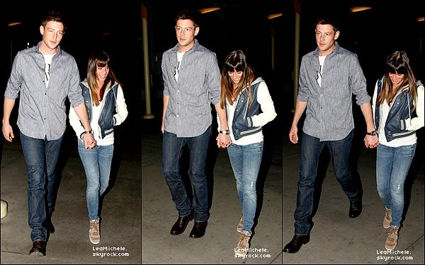 .  03/02/2013 : Lea et Cory ont été vus quittant le Arclight Theatre, à Hollywood.  Tenue très simple pour le couple. J'aime bien la veste de Lea. C'est un  TOP.[/font=Arial]    .