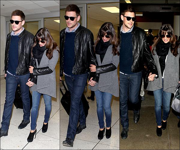 ⇢ ♬ ♪ ♫ _ CANDIDS_ ● Lea Michele et Cory ont été vus à l'aéroport JKF à New York, le 08/03/13♫  ⇣    ▲ Plus tard, le couple à été vu arrivant à l'aéroport de LAX à Los Angeles. J'aime beaucoup la tenue de Lea!  TOP ▲[/font=Tahoma]   .