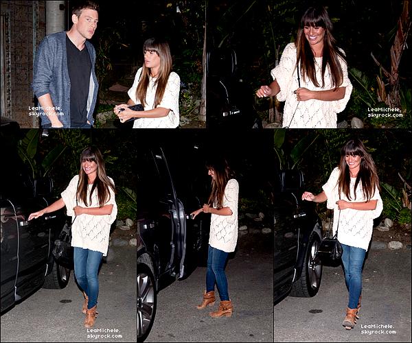.  29/05/2013 : Lea et Cory ont été vus au restaurant Cliff's Edge a Los Angeles.  J'aime beaucoup la tenue de Lea! C'est un  TOP.[/font=Arial]    .