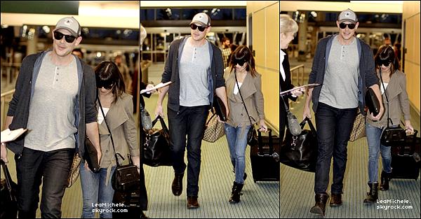 .  04/05/2013 : Lea et Cory ont été vus à l'aéroport de Vancouver.   J'aime beaucoup la veste de Lea ! C'est un  TOP.[/font=Arial]    .