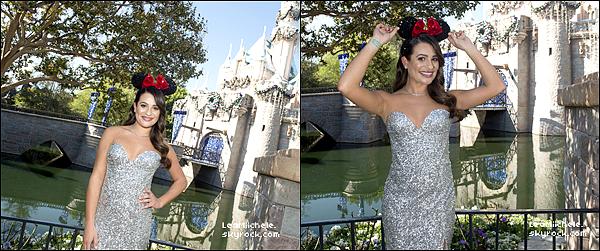 """.  14/11/2017  ► Lea s'est rendue au   """" ABC TV Christmas special"""" au parc Disneyland à Anaheim en Californie.   De nouvelles photos de Lea sont disponibles. J'aime beaucoup ces photos.    TOP.[/font=Arial]    ."""