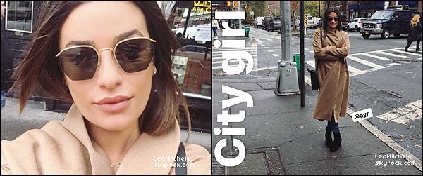 .  21/11/2017   ►Lea a été vue   se promenant dans les rues de New York City.   La belle a été vue en compagnie de son meilleur ami Jonathan. J'aime tellement leur complicité ! j'aime ses chaussures. C'est un  TOP.[/font=Arial]    .