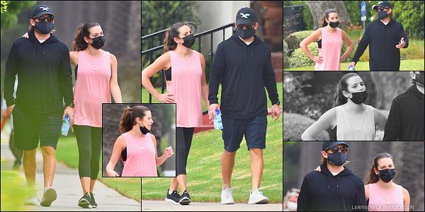 •••  CANDIDS   Lea et son époux Zandy ont été photographié se promenant dans LA, le 08 septembre 2020            1ière sortie pour la miss depuis la naissance d'Ever Leo. Elle a décidé de se remettre au sport pour ne pas changer ses habitudes.