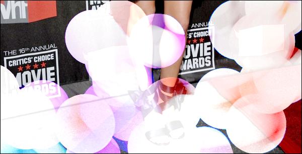 _  _______________Qui? Mila Kunis_______________Quand?14/01/11________Categorie?Candids  _____  _____» La belle Mila était a la 16 soirée des Critics Choice Movies Awards in Hollywood. Elle portait une magnifique robe noire super sexy qui lui va a merveille♥ A copier d'urgence ce groooos Top!  Alors ,Top oder Flop? .