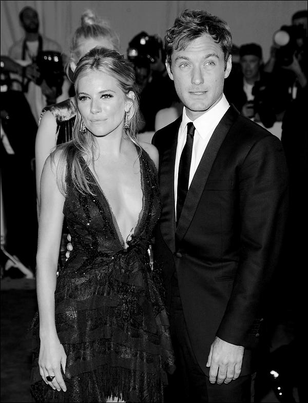 _  _______________Qui? Jude Law & Sienna Miller_______________Quand?09/02/11________Categorie?nfo  _____  _____» Jude law et Sienna Miller c'est bel et bien fini. Et oui vous avez bien lu.. L'agent de Jude a confirmé en sortant la phrase de d'habitude qui dit qu'ils sont encore amis et que tous est bien qui finis bien bla bla bla.. personnellement je suis déçue parce que j'aimais bien ce couple mais avec eux on sais jamais..ils peuvent encore se remettre en semble , qui sait? :P Alors ,Top oder Flop? .
