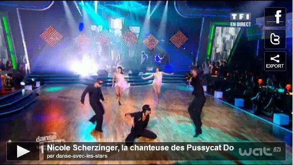 """_  _______________Qui? Nicole Scherzinger_______________Quand?18/03/11________Categorie?Candids  _____  _____» Nicole, , la gagnante de l'édition américaine """"Dancing with the stars"""" 2010, était invité hier soir sur le plateau de """"Danse avec les Stars"""" pour la Finale. Elle a chanté un extrait de son album """"Don't Hold your Breath"""" et """"When in grow Up"""" .Elle a aussi remis le prix au grand gagnant qui est ... MATT POKORA. Perso' je suis un peu deçu parce que je voulais que Sofia gagne mais bon.. ça le fait aussi ;). Nicole était ma-gni-fi-que , j'ai adoré ♥ Alors ,comment vous la trouvez? Top oder Flop? .  _Liens quotidiens:_Photo avec Matt___Album du moment♥___Blog music___X-Factor _____Pub Blog: AnnalynneNews (règles)."""