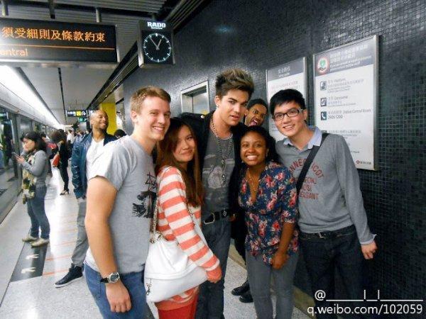 Adam ses fans à Hong Kong