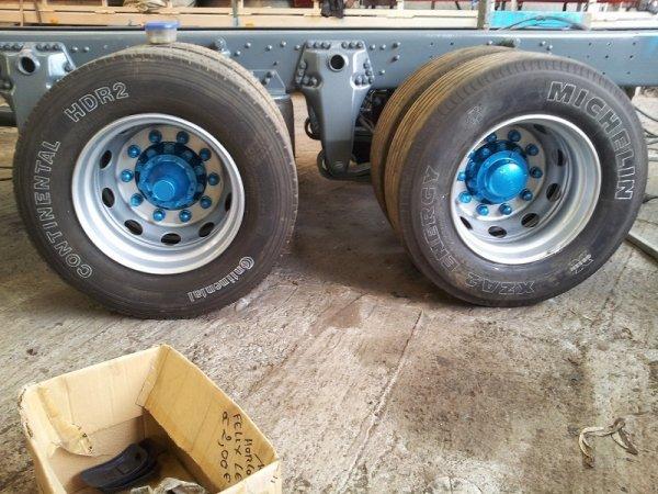 Scania 164: peinture châssis