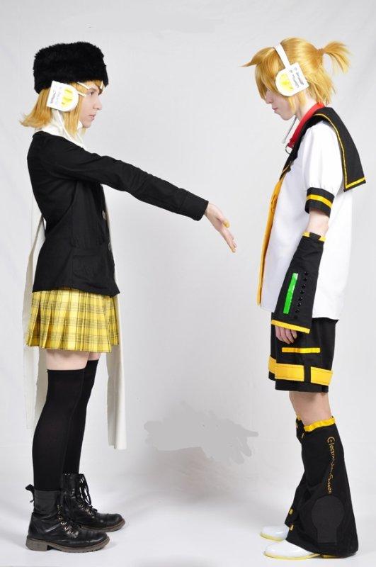 Rin & Len Kagamine !! *-*