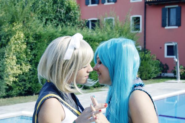 Rin Kagamine & Miku Hatsune !!