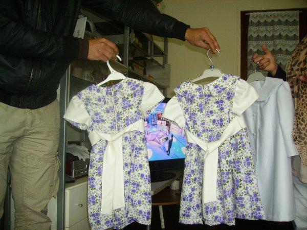petites robes fillettes de dos..