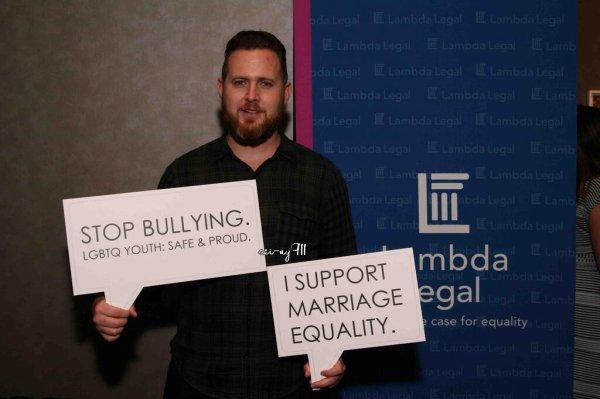 AJ contre le bullying et pour les droits pour tous !