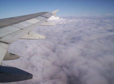 nubes y avion