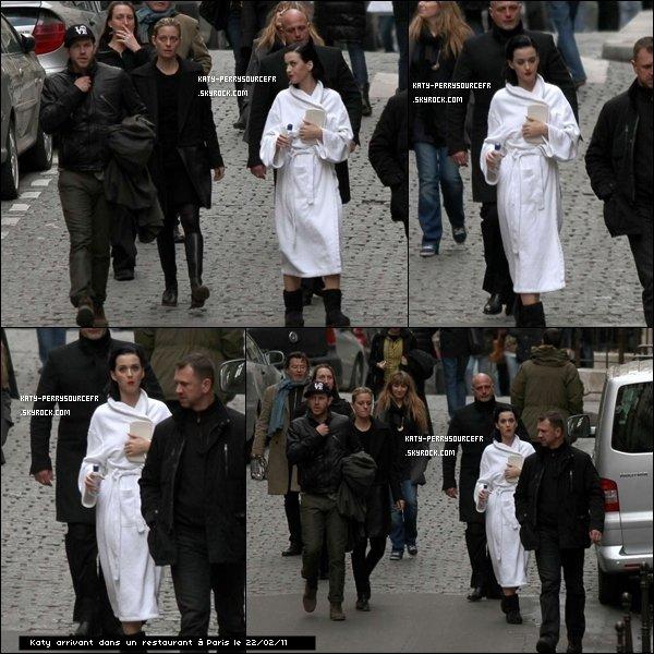 .  20/02/11 : Katy commence sa tournée California Dreams Tour à Lisbonne ( Portugal).+ Katy est passée dans la capital pour aller au restaurant (22/02/11). Elle seras ce soir ( 24/02/11) à Milan (Italie).   .