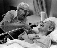 """"""" Avec le temps tout s'en va, mais pas l'Amour que j'ai pour toi Papa ! """" La Fouine - Papa"""