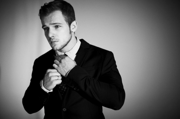 max thieriot le paradis des stars. Black Bedroom Furniture Sets. Home Design Ideas