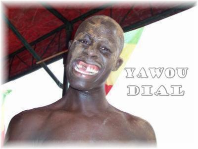 yawoo dial  un  lutteur comédien