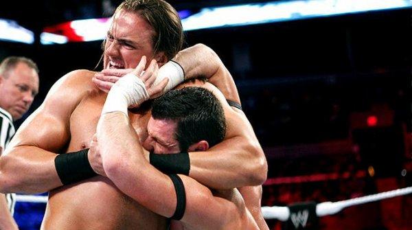 2 Anciennes superstars de la WWE debutent sur la scène independante