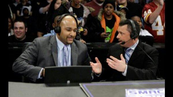 Où en sont les negociations entre Jonathan Coachman et la WWE ?