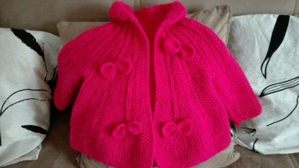 Petite veste tt juste fini pour ma petite niece