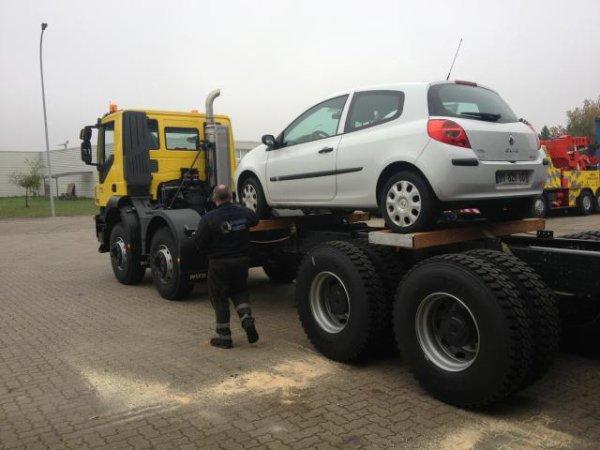 preparation pour convoyage chez OMARZ Italie . pour le montage d'un equipement de depannage pl