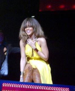 Rihanna Live Manchester 28.11.11