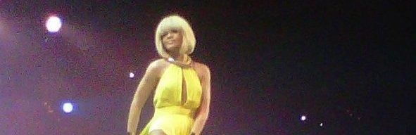 Rihanna Live Hambourg 04.12.11