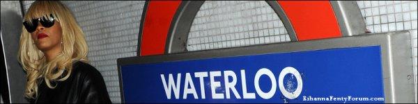 """Rihanna à la station de métro """"Waterloo"""" à Londres 27/03/12"""