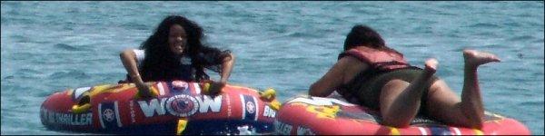 Rihanna fait des jeux aquatiques en Barbade 12/07/12