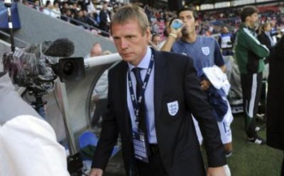 Angleterre : Pearce en intérim