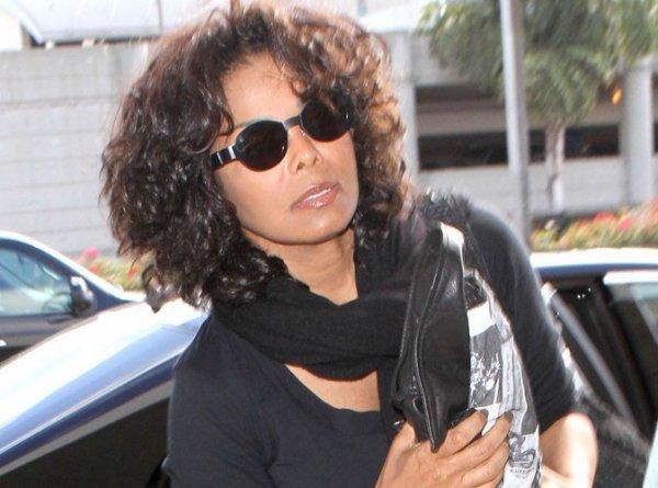 Janet Jackson : elle repousse ses concerts australien pour assister au procès contre le Dr. Murray !