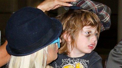 Christina Aguilera continue de s'enfoncer jours après jours dans l'alcool.