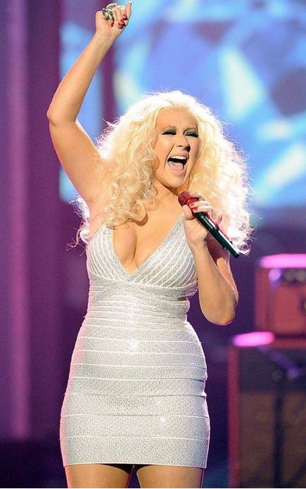 "Christina Aguilera explosive aux ""American Music Awards"""