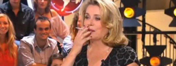 """Catherine Deneuve fume en direct au """"Petit Journal"""": le CSA met en demeure Canal +"""
