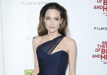 Angelina Jolie: Amazone.com, c'est trop compliqué pour elle !