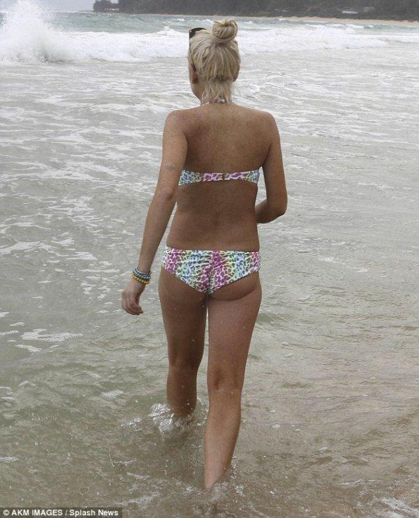 Lindsay Lohan: Les photos de son dernier Week-End a la plage !