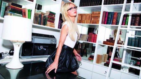 Paris Hilton: S.O.S, elle va sortir un second album !!!