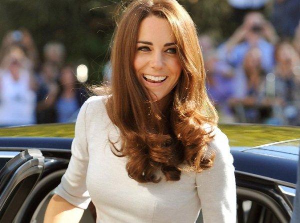 """Kate Middleton: La reine la trouve """"paresseuse, vaniteuse, dépensière et ignorante """" !"""