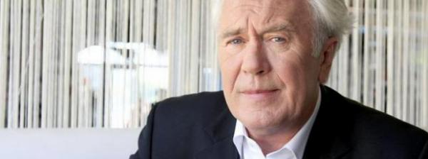 Jean Luc Hess: il ne regrette pas d'avoir sanctionné Stéphane Guillon et Didier Porte.