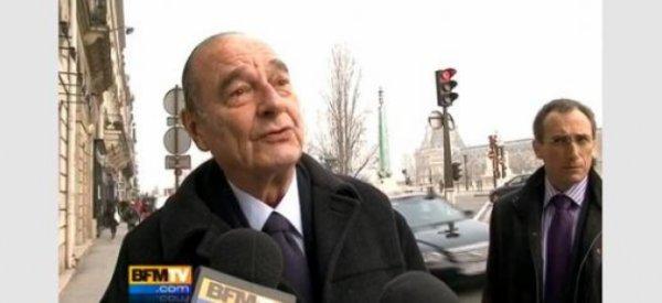 Jacques Chirac aperçu en bonne forme sur un marché en Corrèze