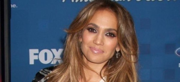 """Jennifer Lopez annonce qu'elle quitte le jury de """"La Nouvelle star"""""""