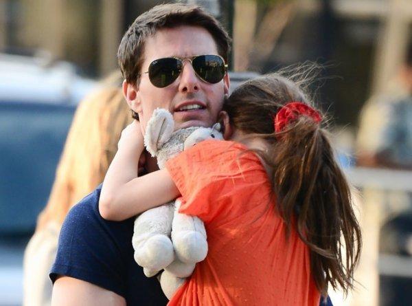 Tom Cruise : ! Le National Enquirer affirme qu'il n'est pas le père biologique de sa fille Suri