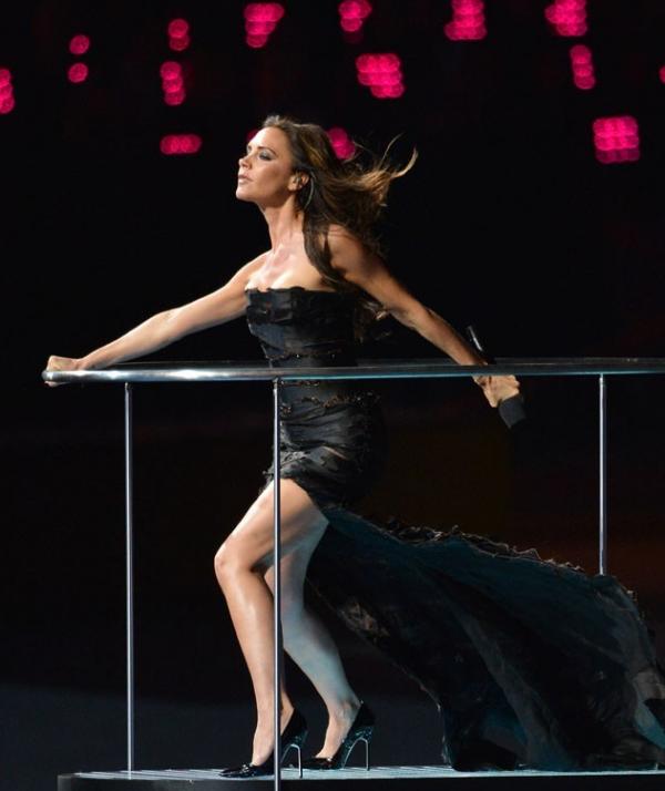 ( Vidéo + Photos) Spice Girls: Victoria Beckam & Geri Halliwell ultra sexy pour la cloture des J.O 2012