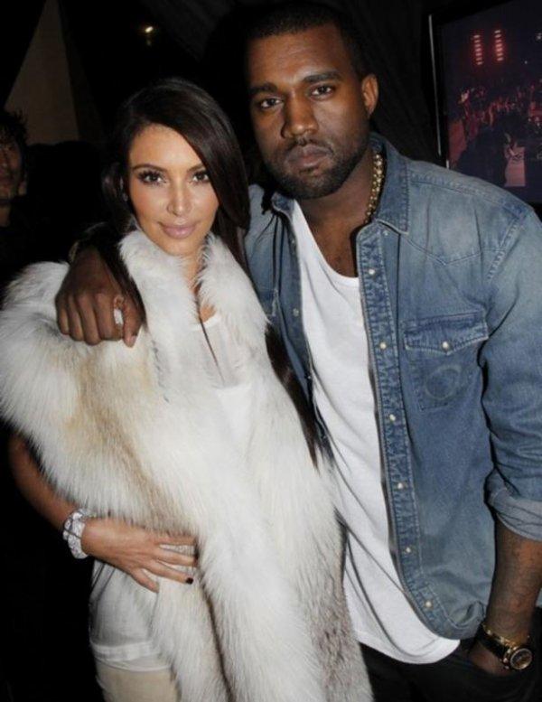 """( Photo) Kanye West : """"Il supprime le tweete """"Je viens de baiser Kim tellement fort"""" !"""