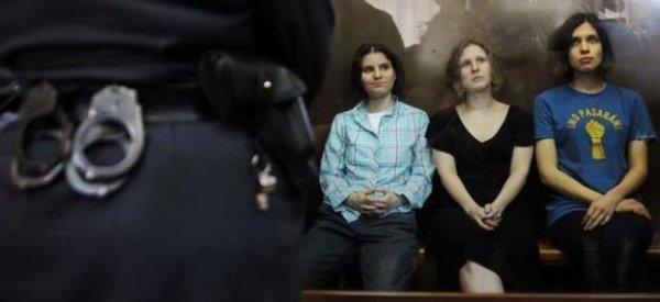 Pussy Riot : La France envoie un ambassadeur en Russie pour rencontrer les 3 chanteuses